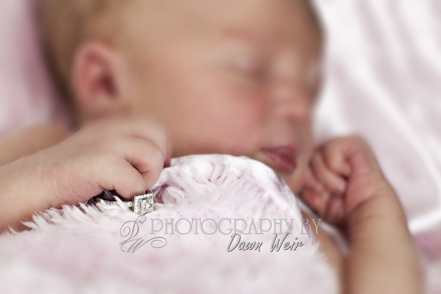 Newborn_Photography_Edmonton_Photos37