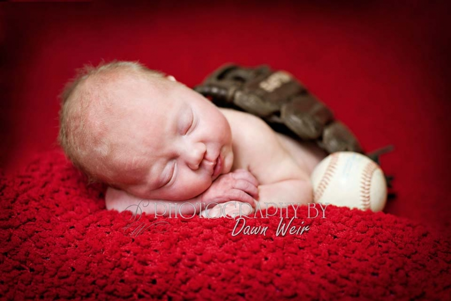 newborn_baseball_photographer
