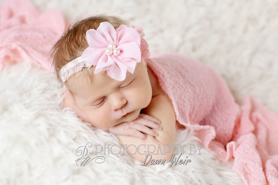 st-albert-photographer-dawn-weir-newborn