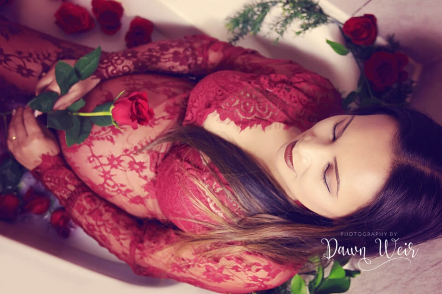 edmonton pregnancy photographer dawn weir