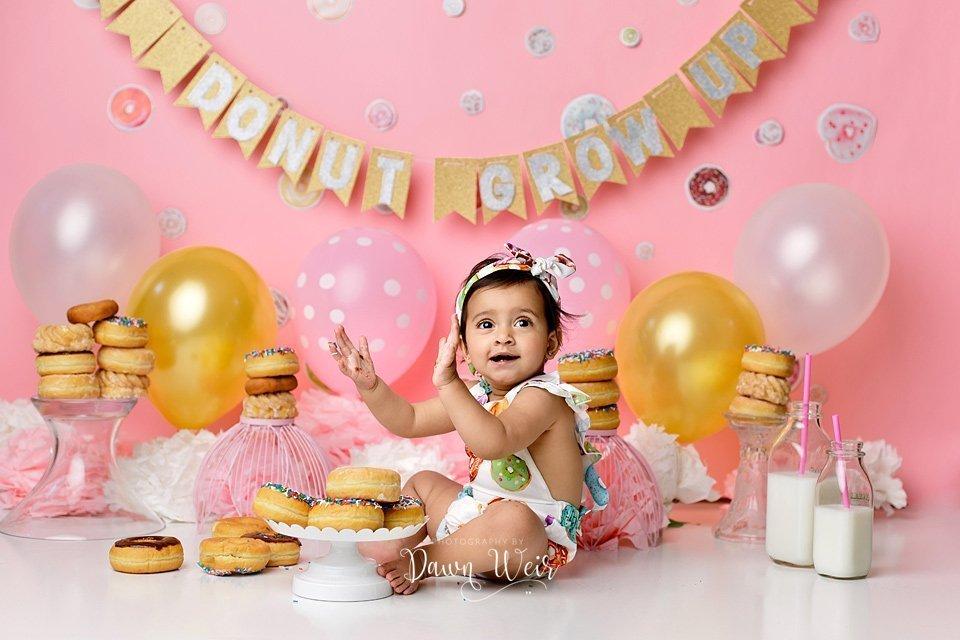 edmonton donut girl cake smash photographer dawn weir
