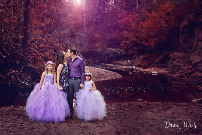 edmonton-family-photography-session-dawn-weir_family_mill_creek_ravine_edmonton_alberta_purple_tutu_dresses