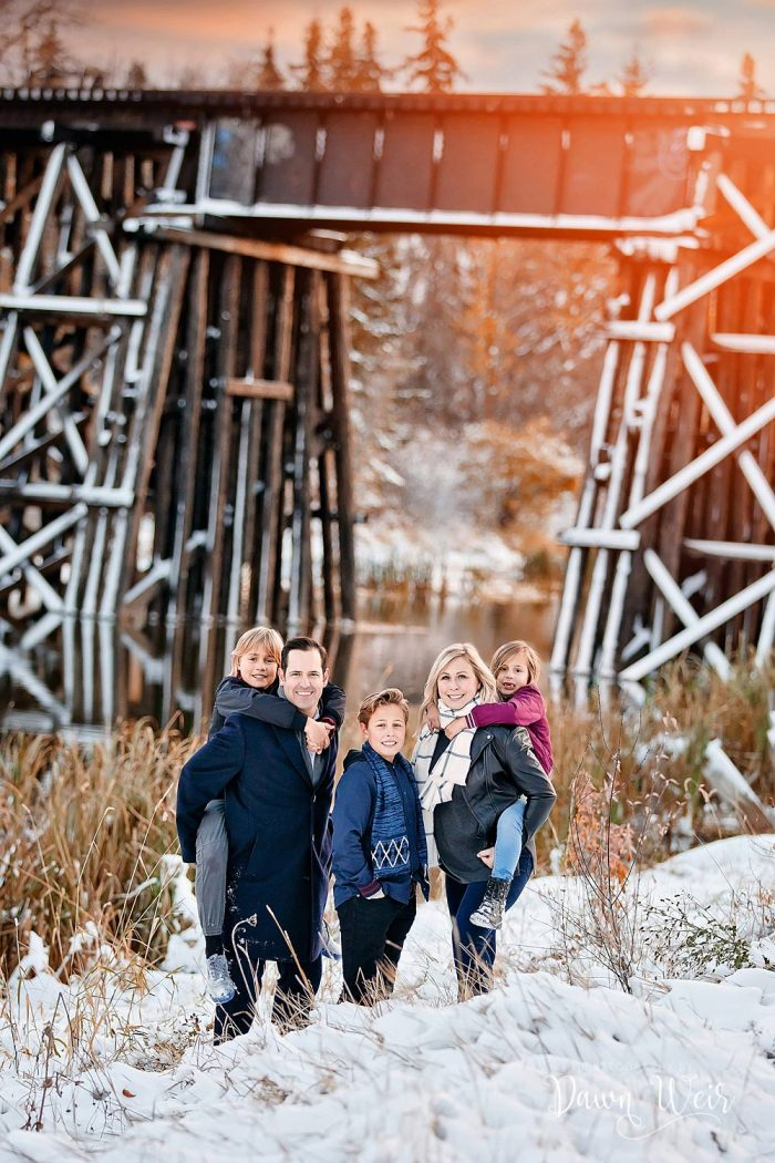 st-albert-family-photography-session-dawn-weir-family-sturgeon-river-valley-st-albert-lions-park-winter