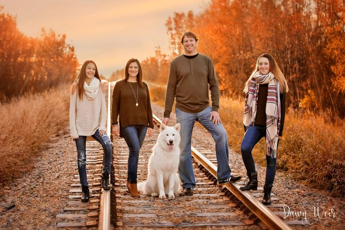 st-albert-family-photography-session-dawn-weir-family-sunrise-st-albert-train-tracks
