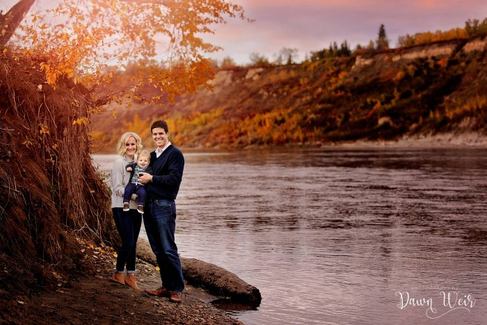edmonton-family-photography-session-dawn-weir_family_terwillegar_park_edmonton_alberta-north-saskatchewan-river