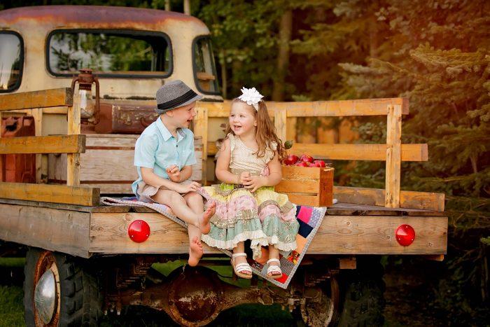stony-plain-on-location-children-photography-stony-plain-ole-back-roads